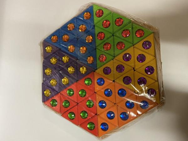 """Geometrische Holzpuzzle """"Sechseck"""" mit Steinen"""