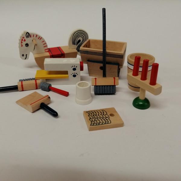 Miniaturen für den Puppenhaushalt