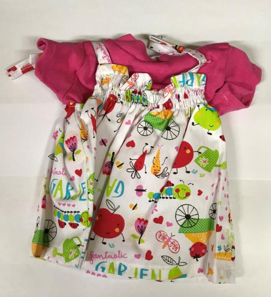Kleid mit pinkem Shirt